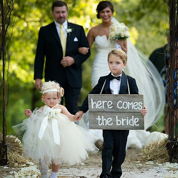 here-comes-the-bride-sign-wedding-processional