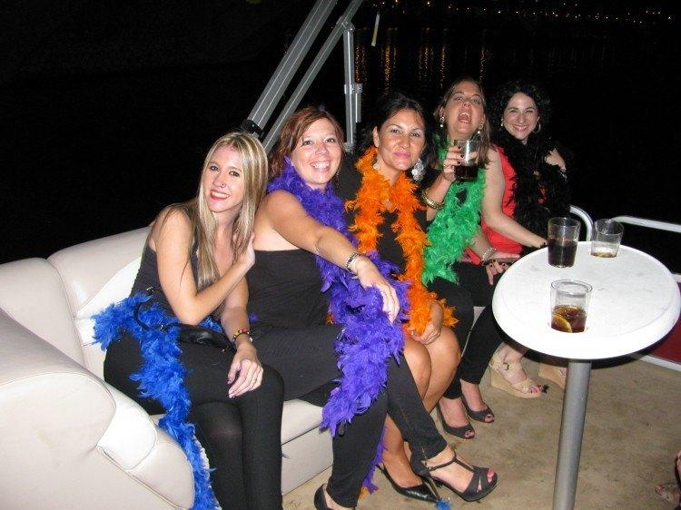 amigas en el barco