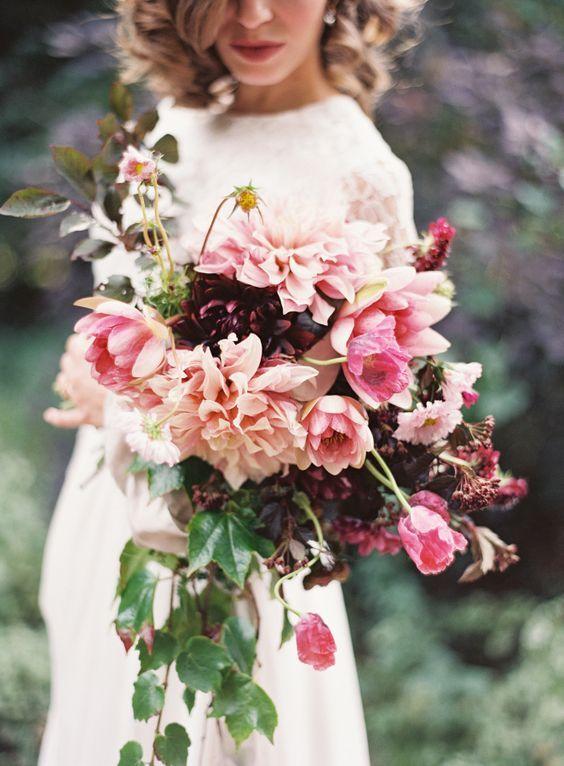 ramo de novia con dalias