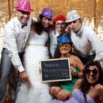 fotografias photocall boda jessica y jota restaurante el dorado playa cambrils fotc3b3grafo bodas barcelona fotografo bodas tarragona06 - ¿Que Tal un Photocall Divertido en la Boda?