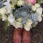 flores en el columpio ramo de novia - Ramos de Novia Vintage Chic.