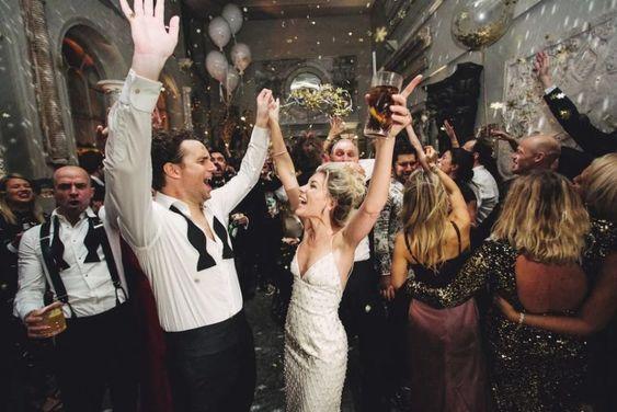 divertirse en una boda en fin de año