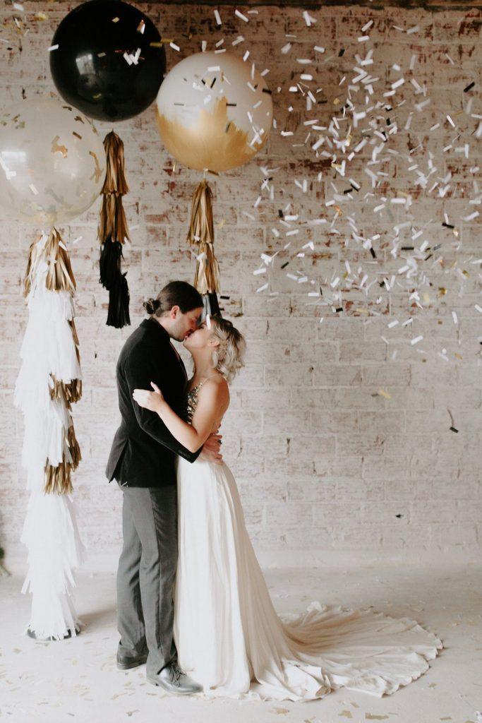 photocall para boda en nochevieja - Cómo Organizar una Boda en Nochevieja