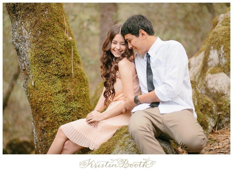 Twilight-Engagement-Photos-at-the-lake-04