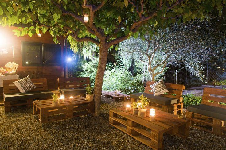 Ideas para decorar tu boda con palets de madera diario - Palets decoracion jardin ...