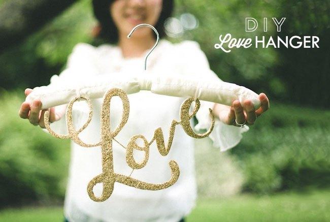DIY-love-hanger