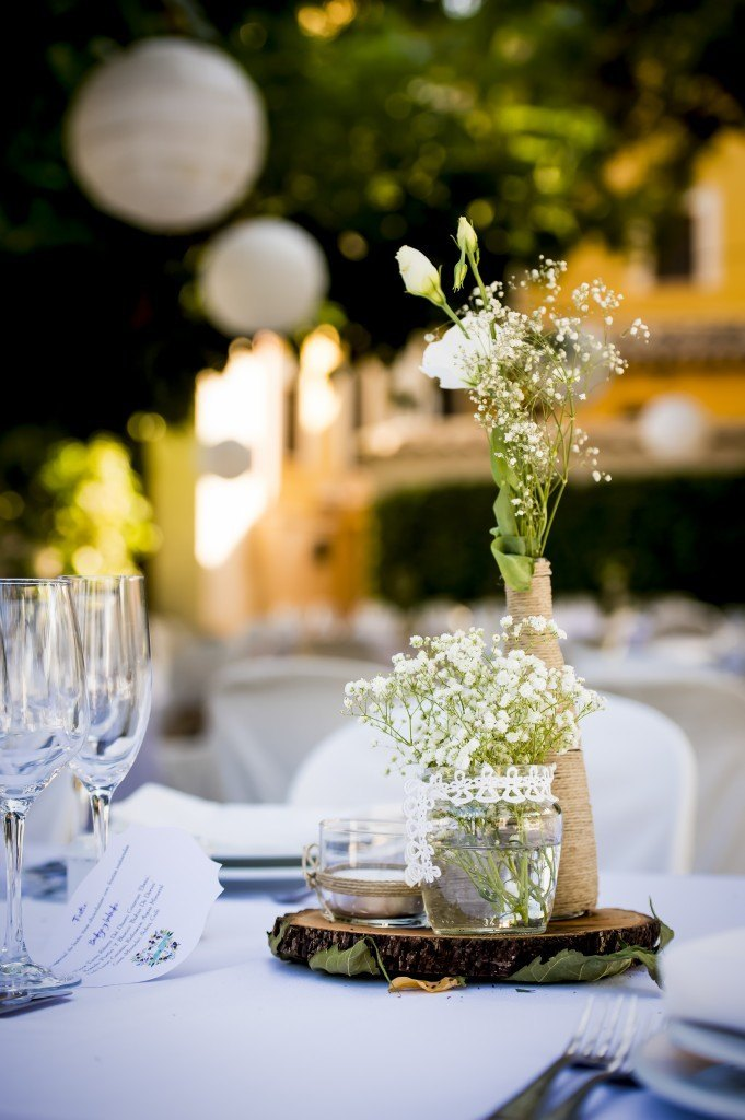 centerpiece guests tables