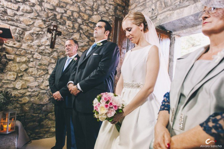 fotografos boda asturias 29 - Boda Asturiana en una Pequeña Capilla