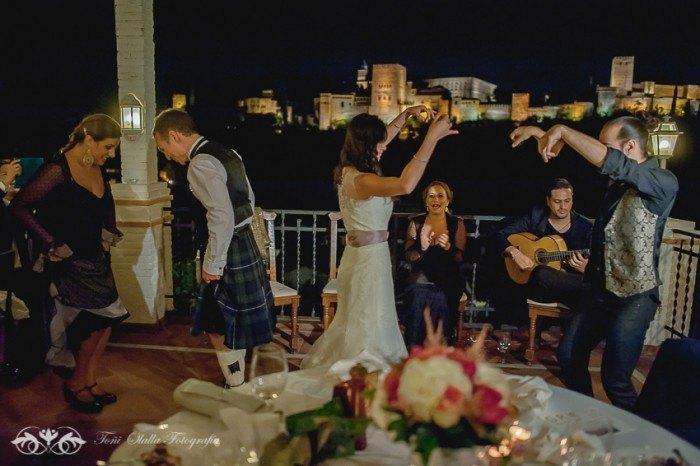 Boda en Granada multicultural y exotica baile novios