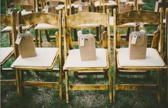 regalos de invitados con bolsas de papel