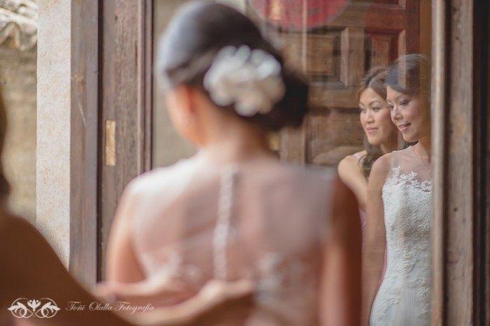 Boda en Granada multicultural y exotica espalda novia
