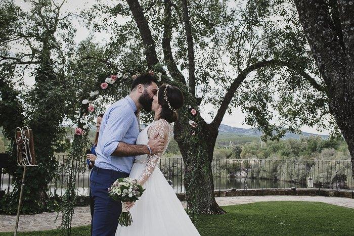 Boda de Israel y Raquel al aire libre en madrid