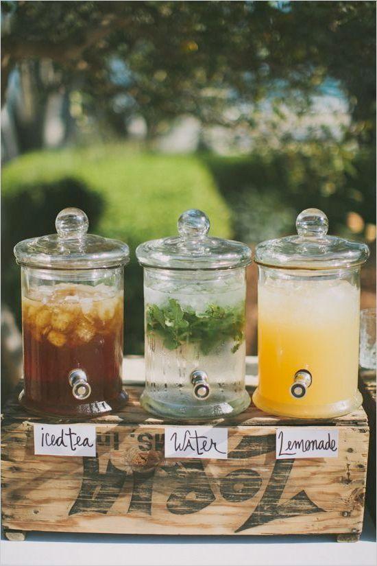 decoración de bodas rusticas barra de limonadas