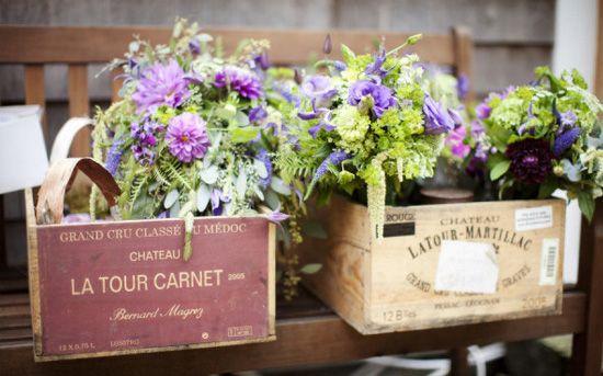 decoración de bodas rusticas flores en cajas vintage