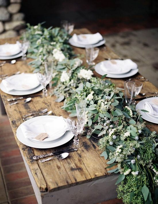 decoración de bodas rusticas mesa con eucalipto