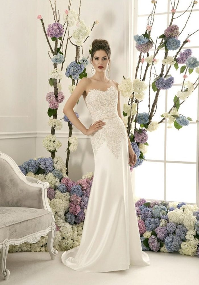 Quien paga por el vestido de novia