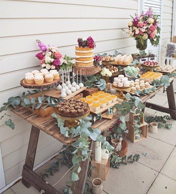 mesa de dulces boda con naked cake