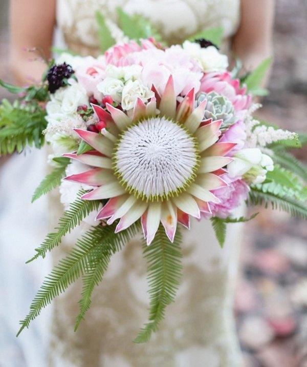ramo de novia con protea gigante