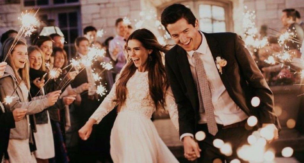 ideas para usar bengalas para bodas - las supersticiones de una boda