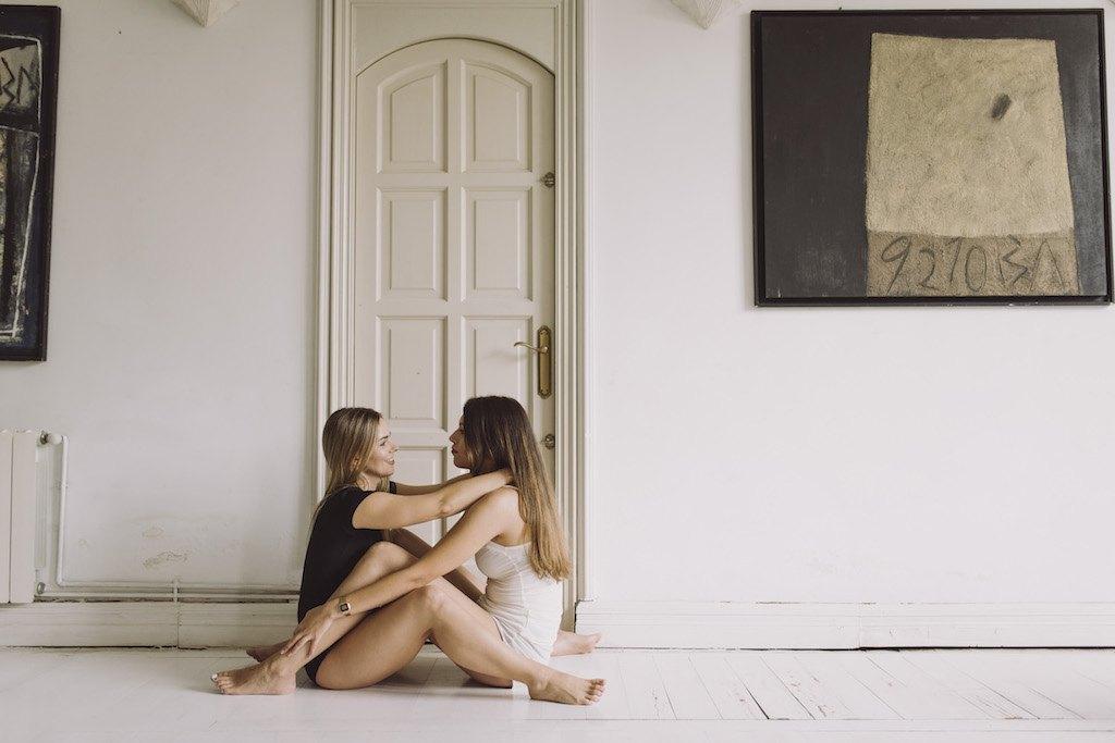she same sex lifestyle shoot 01055 SCM3034 - Editorial She - Junto a Ella para Siempre