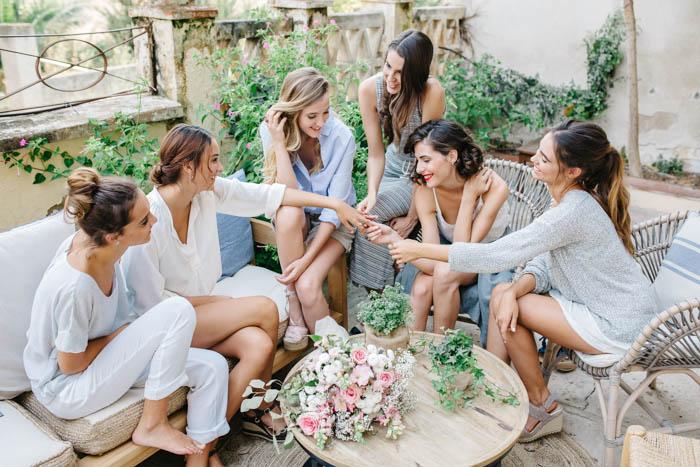 BRIDAL PARTY TOGETHER JARDINMAMAANA 83 - Una Bridal Party Mediterránea