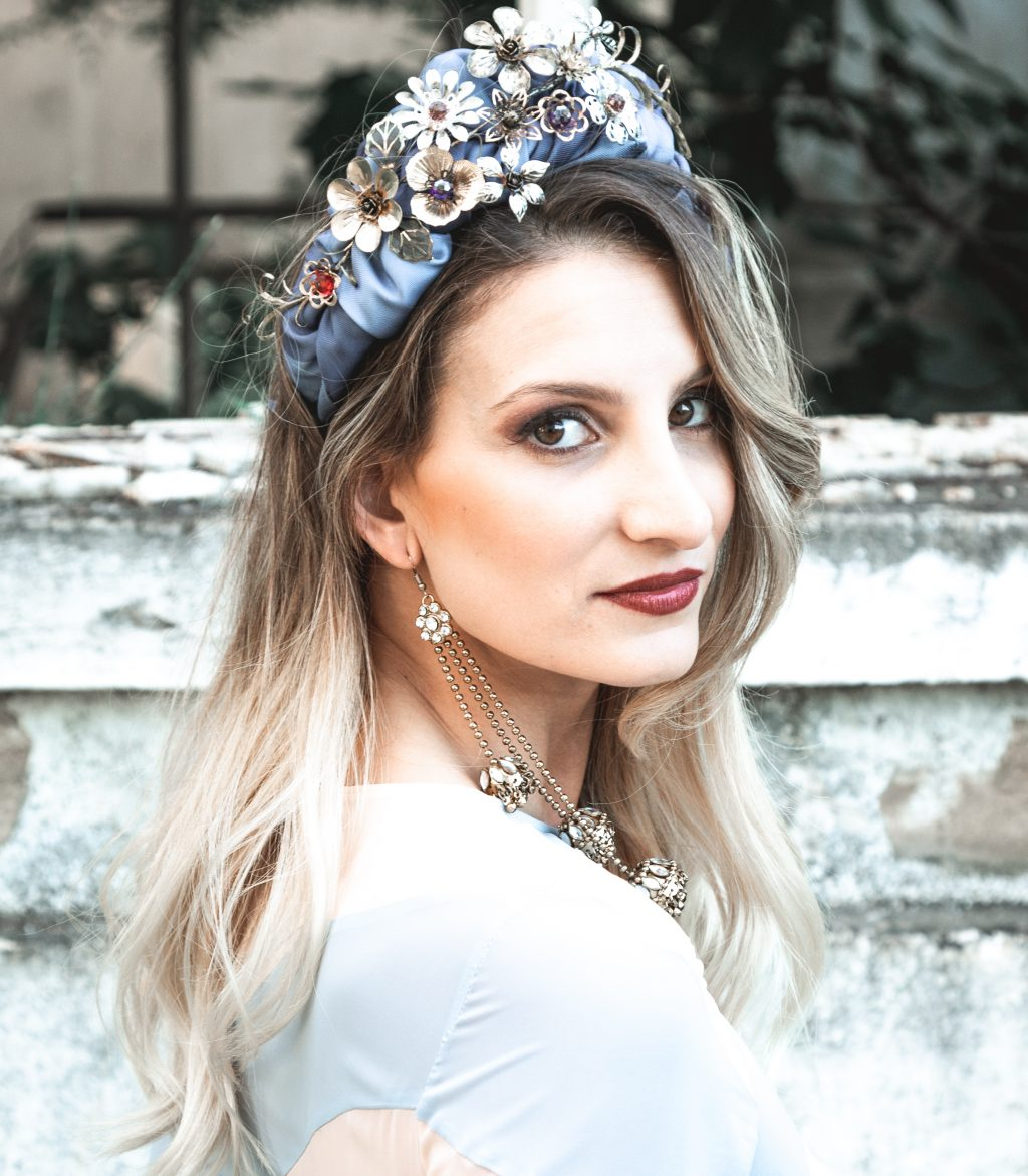 Complementos y Tocados para Novias en Sevilla 11 - Carmen Marcos Complementos para Novias e Invitadas