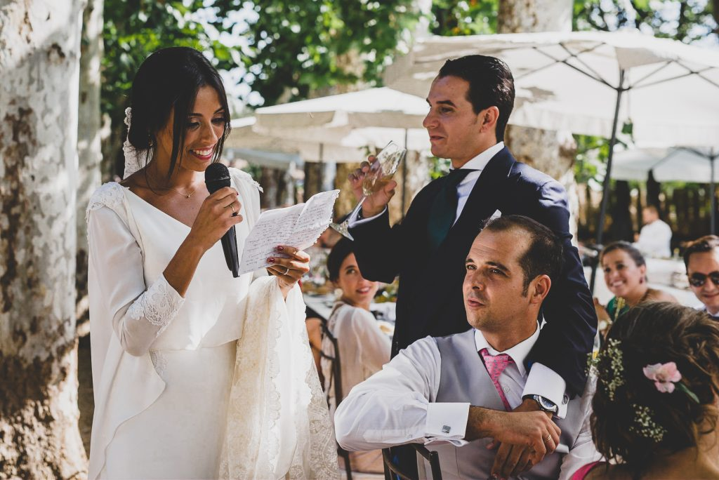 boda de raquel y tana con mascota 15 - La Vida es un Guateque