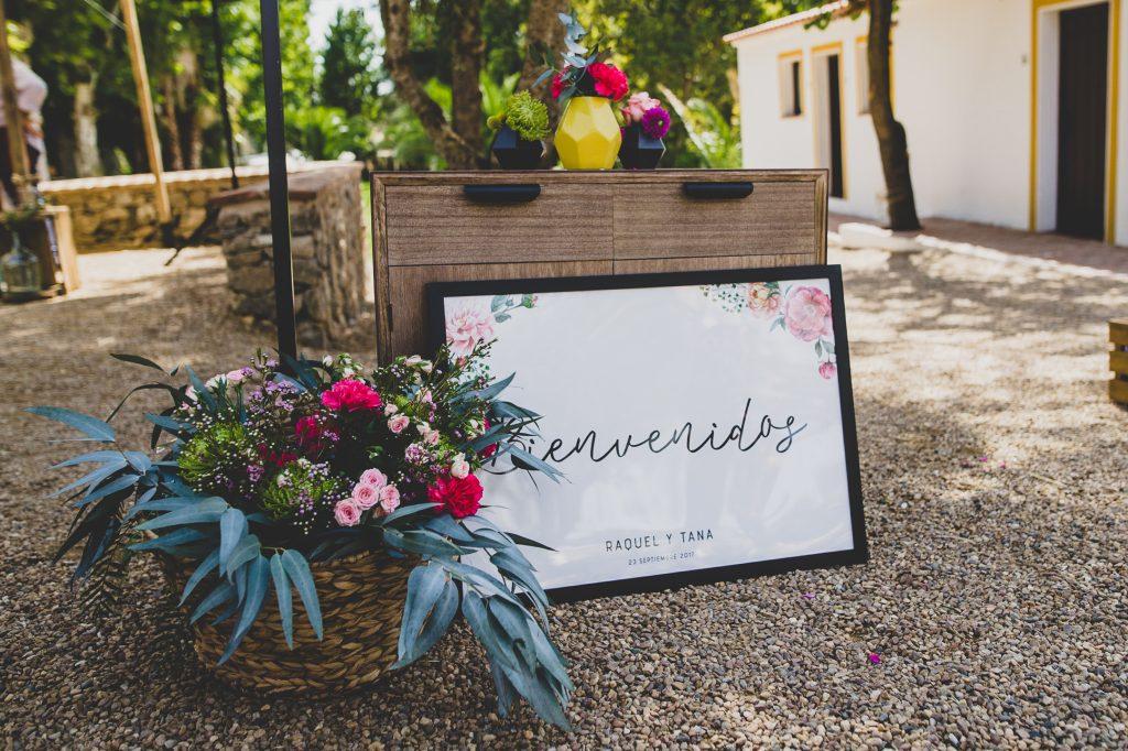 boda de raquel y tana con mascota 2 - La Vida es un Guateque