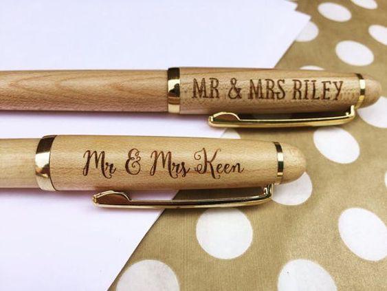 regalos de boda personalizados boligrafos - Una Larga Lista de Regalos de Boda