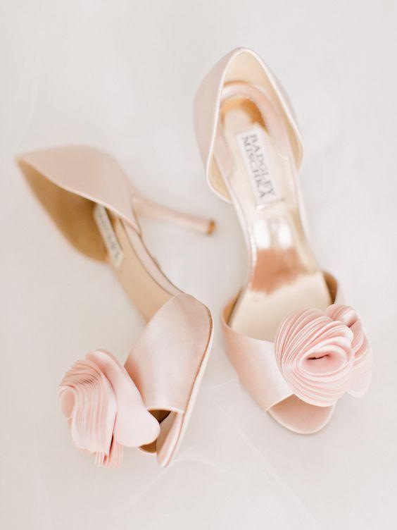 zapatos de novia con apliques - Consejos para Disfrutar de tus Zapatos de Novia después de la Boda