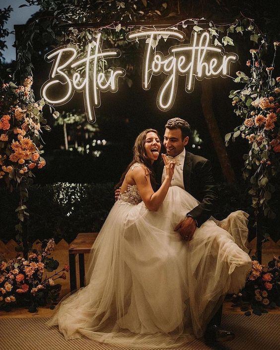 tendencias para bodas 2020 neones - ¿Cuáles son las Tendencias para Bodas en 2020?