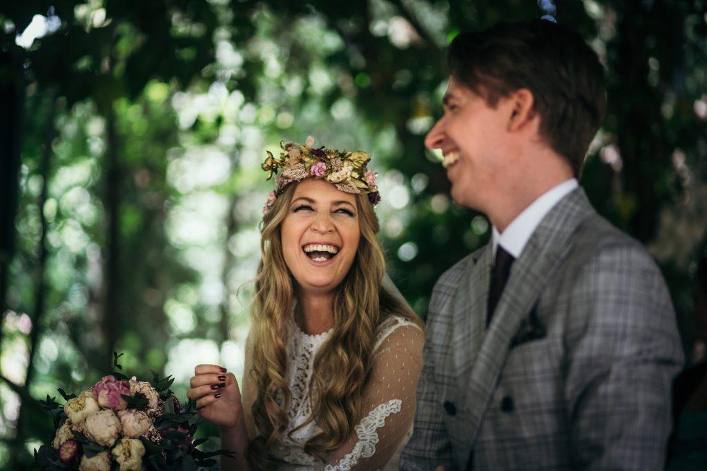 Porque contratar oficiante de bodas - ¿Qué es un Oficiante de Bodas y Por Qué lo Necesito?