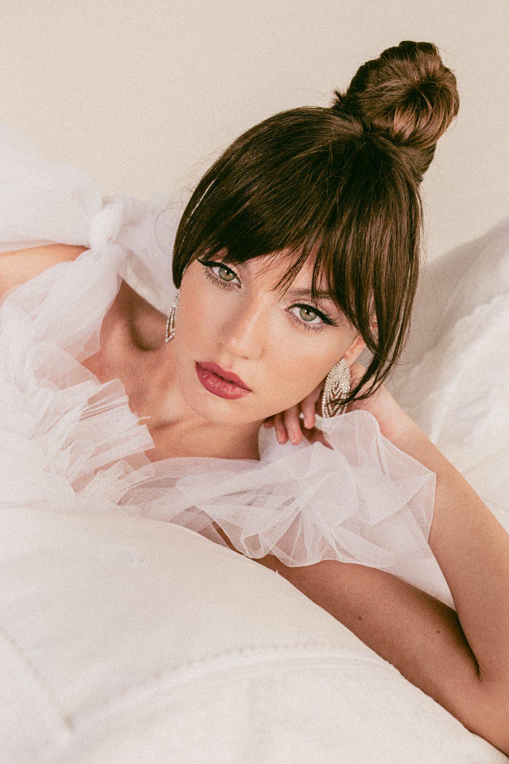 tendencias en maquillaje de novia 2020 2 - Propuestas para el Maquillaje y Peinado de Novias 2020