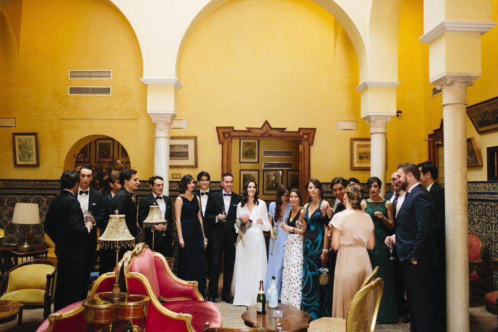 09 amigos novia antes boda - ¿Dónde me Arreglo el Día de mi boda?