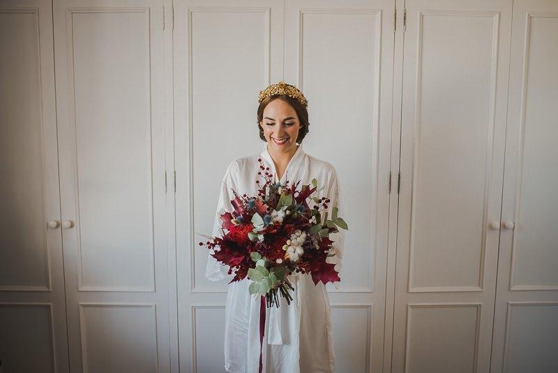 pyd boda adelanto 011 - Paloma y su Falda de Plumas de Colores