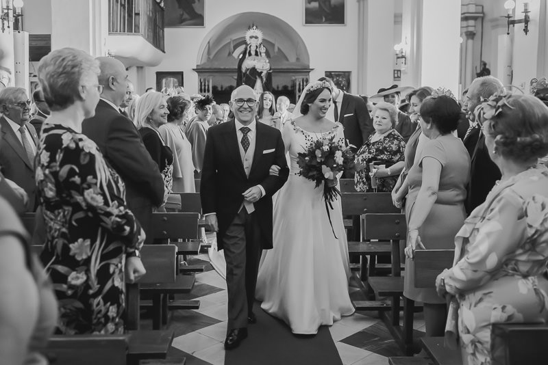 pyd boda adelanto 054 - Paloma y su Falda de Plumas de Colores