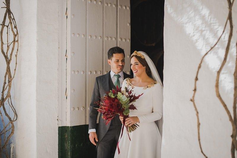 pyd boda adelanto 084 - Paloma y su Falda de Plumas de Colores