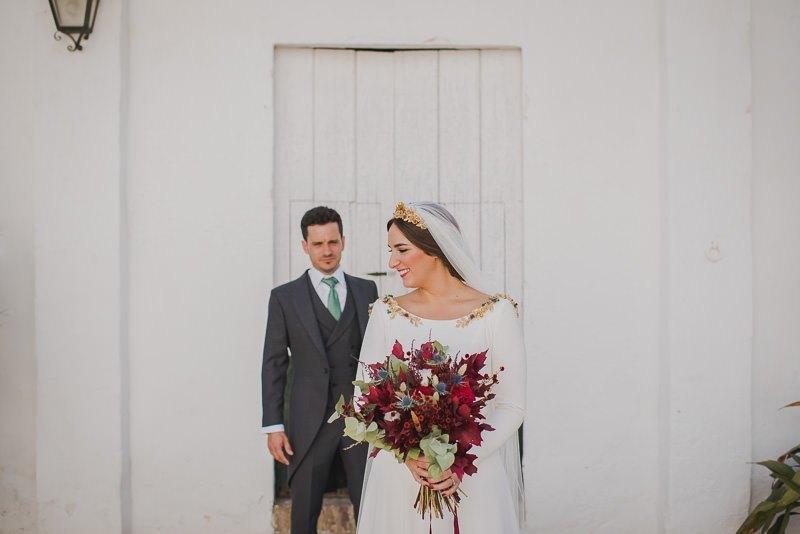 pyd boda adelanto 102 - Paloma y su Falda de Plumas de Colores
