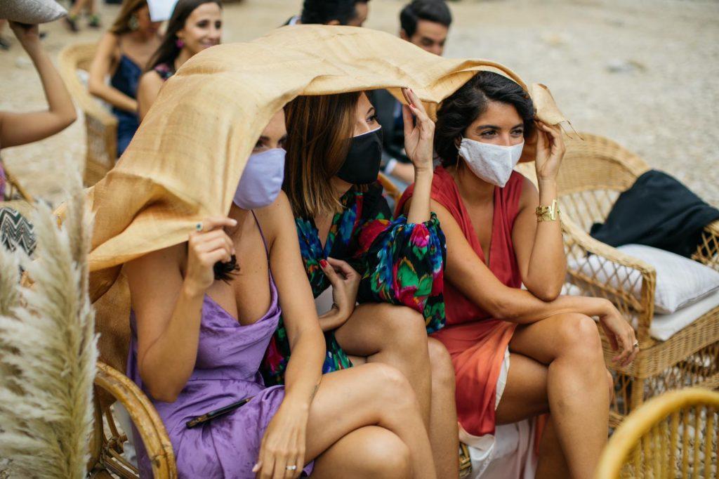 """Bodacovid en la playa en Alicante 15 - La """"BodaCovid Playera"""" de Paula y Damian"""