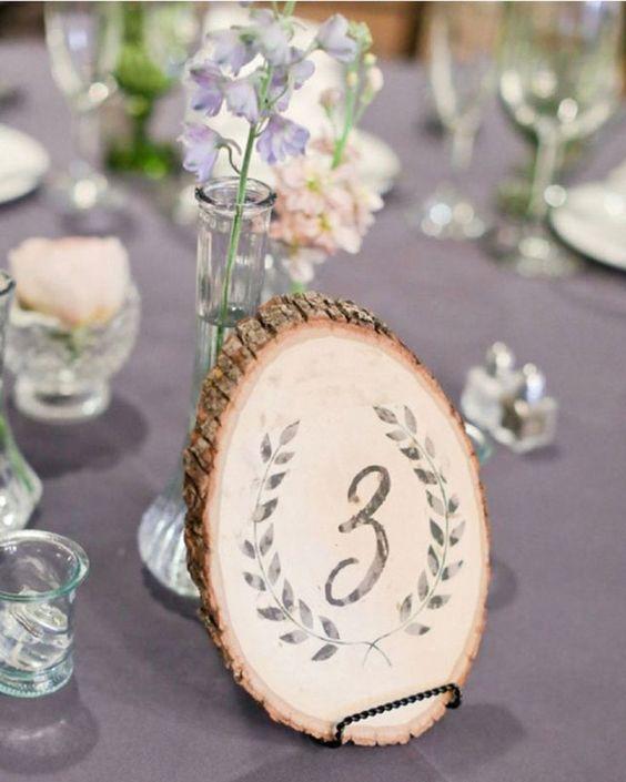 numero de mesa con madera - Ideas para la Numeración de Mesas
