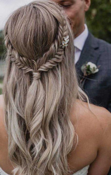 peinados para bodas semirecogidos 4 - Los Peinados de Novia más de Moda de este Año