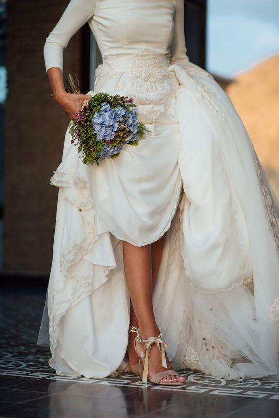 zapatos como complemento para novias - Las Joyas y Complementos que no Pueden Faltar en tu Boda